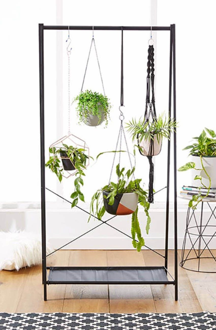 7 Tiny Indoor Herb Gardens That Are Healthy And Cute 400 x 300