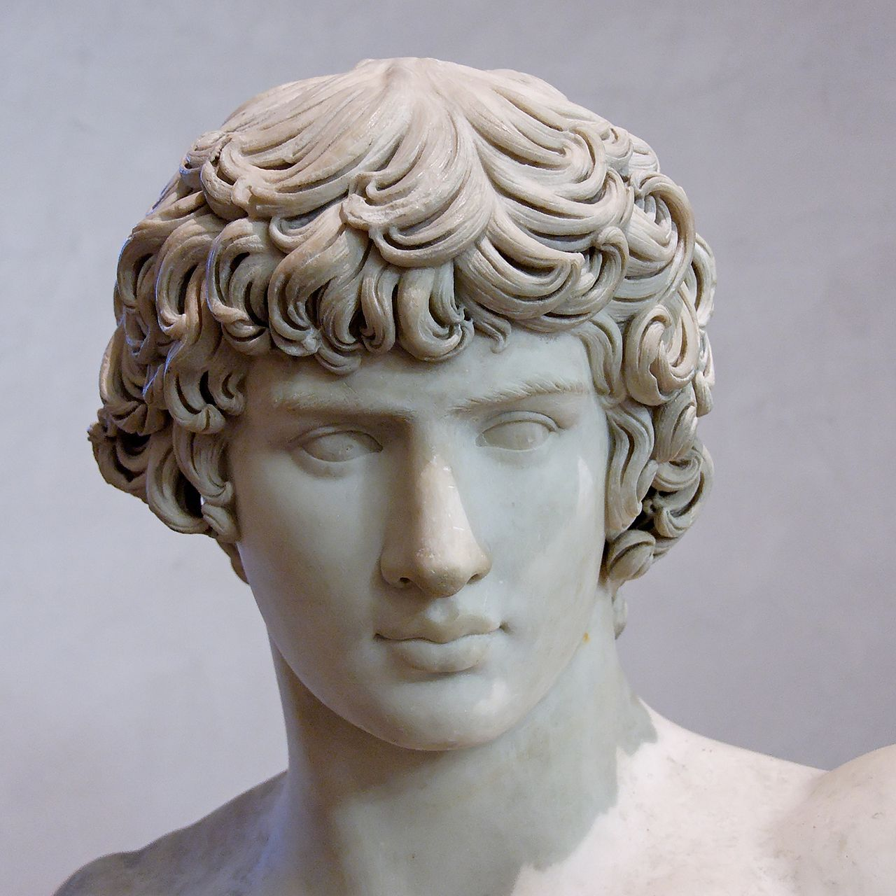 Antinous Ecouen Louvre Ma1082 n3 - Antinoos – Wikipedia