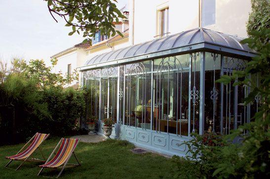 La véranda du0027exception en acier présentée dans le reportage de - maison avec toit en verre