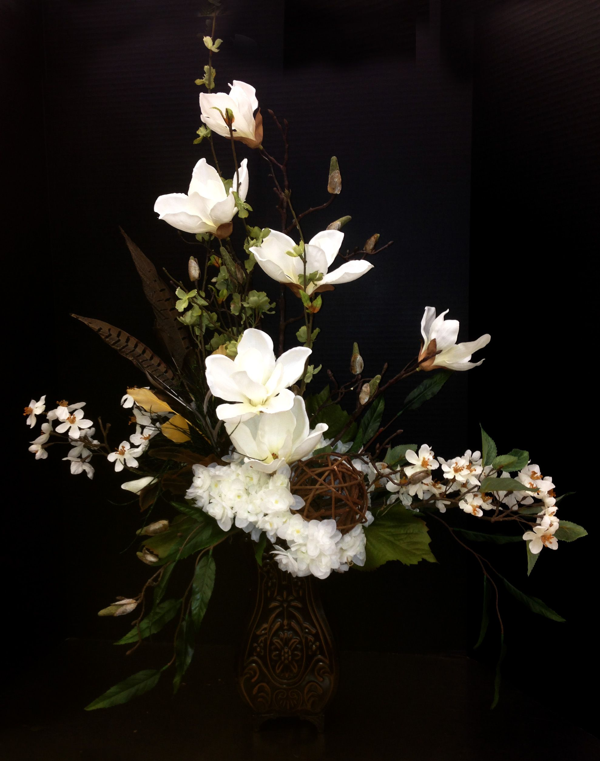 Pin By Barb Cieslak On My Michaels Designs Sba Spring Flower Arrangements Floral Arrangements Magnolia Flower