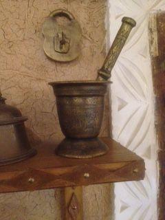 أدوات قديمة وتراثية Old And Traditional Tools Candle Holders Traditional Candles