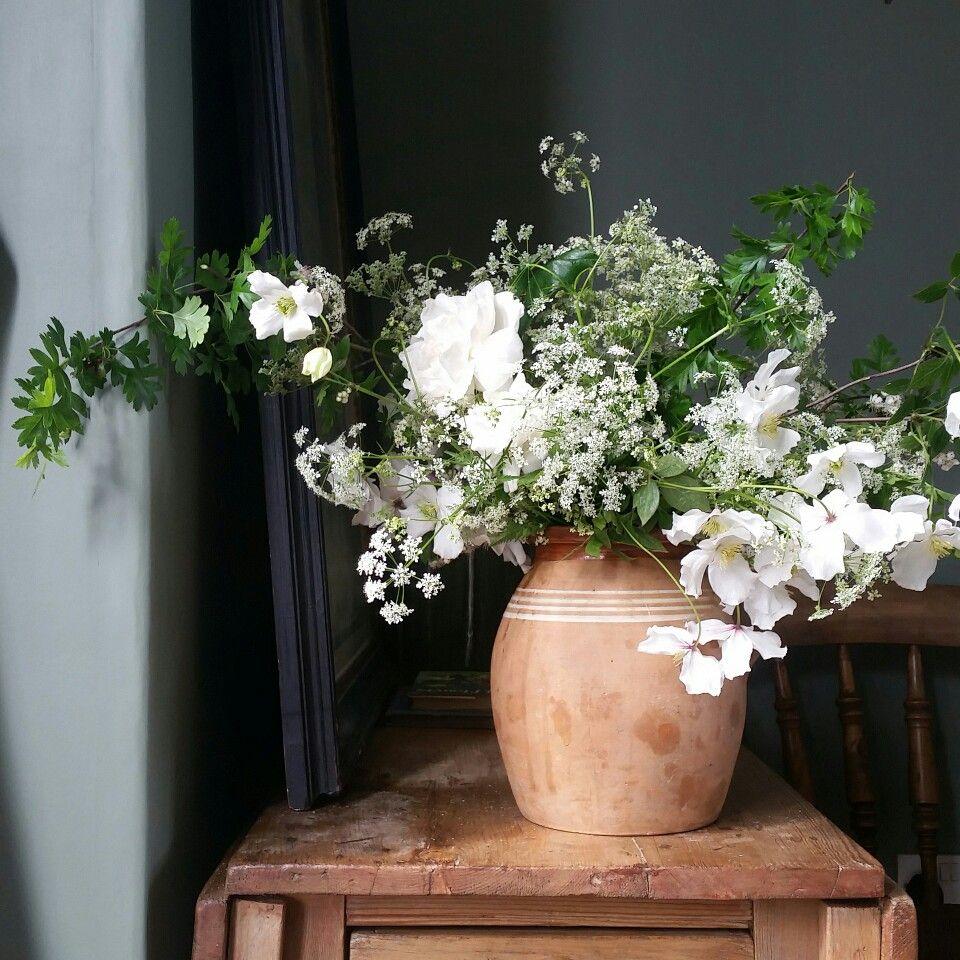 Cow parsley clematis and garden rose arrangement vignettes