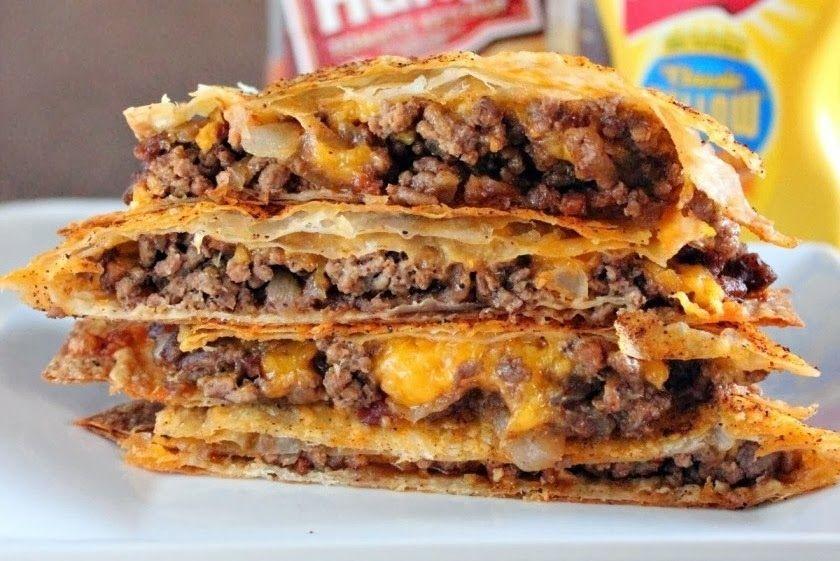 29 AMAZING QUESADILLAS. Bbq chicken, apple, bacon and cheddar quesadilla? I'm hooked.