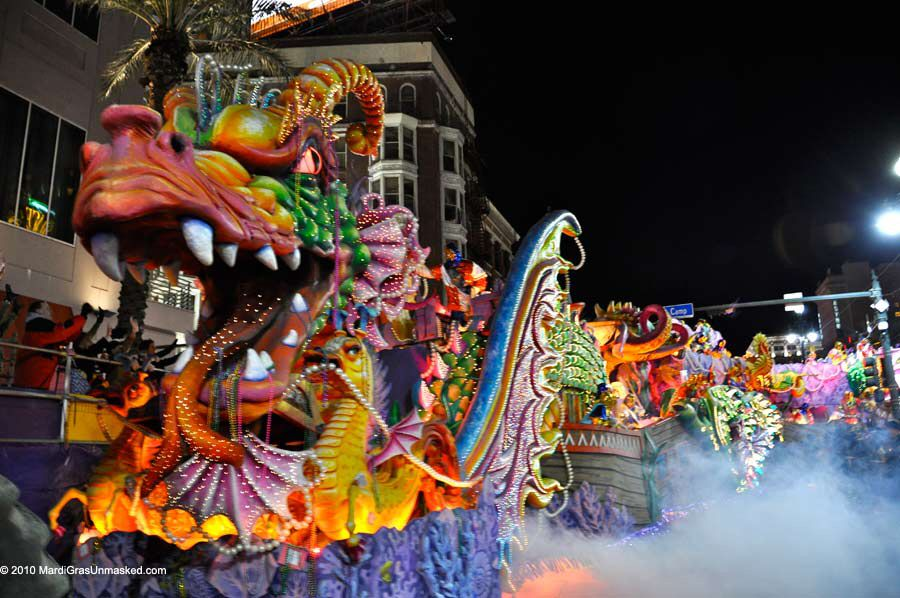 Image from http://holidaypictures.org/wp-content/uploads/2015/01/mardi-gras-floats-5.jpg.
