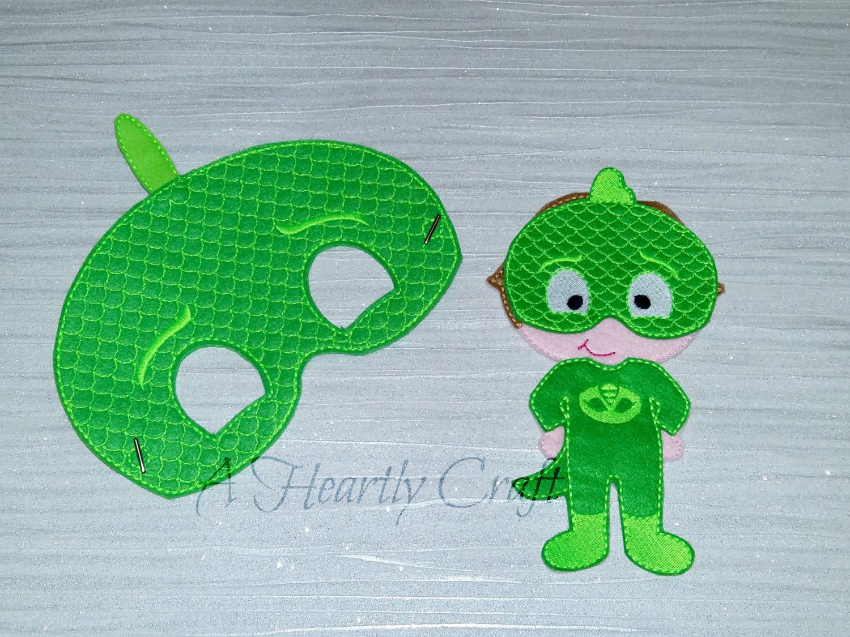 Green Gecko Superhero Mask And Felt Non Paper Doll Set
