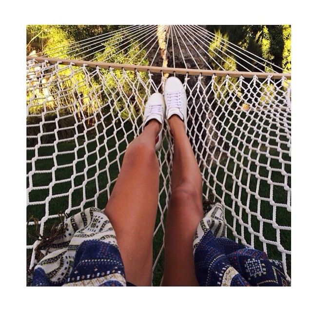 Hammock life  // Catching the afternoon breeze + reading the latest edition of @dumbofeather.