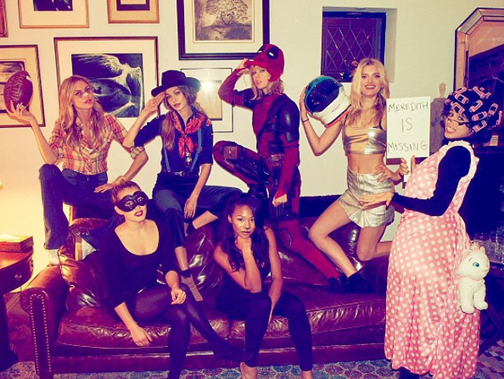 taylor swift and her squad deliver the ultimate treat on halloween - What Was Taylor Swift For Halloween