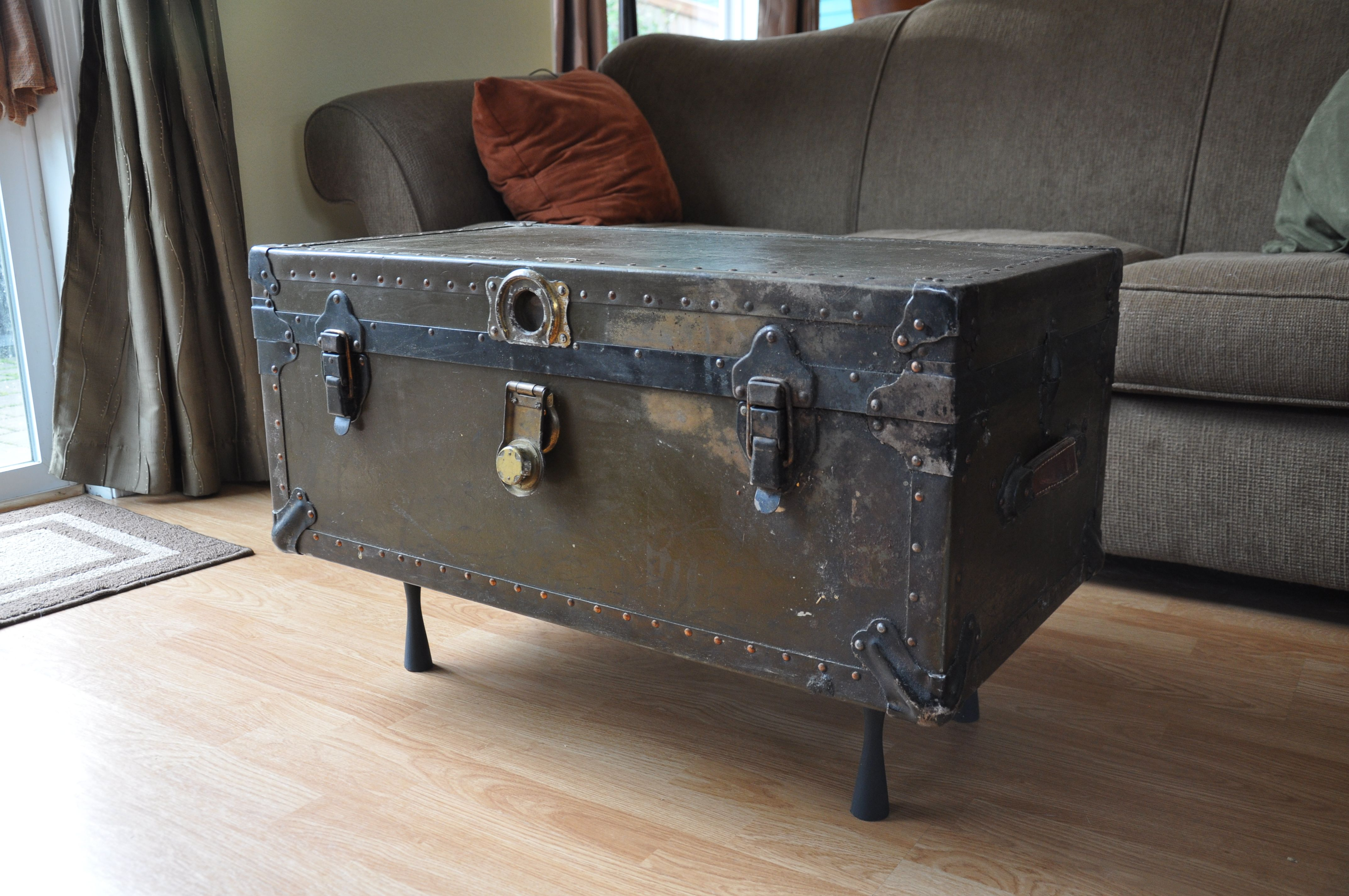 Creative Small Steamer Trunk Coffee Table Repurposing