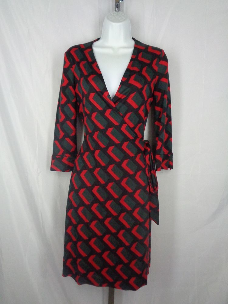 4d173e78282d9 DVF Diane Von Furstenberg Vintage Julian Wrap Dress Size 4 Silk Red Black  Gray  DVF