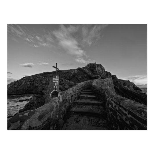 Postal de las escaleras de Gaztelugatxe en blanco y negro