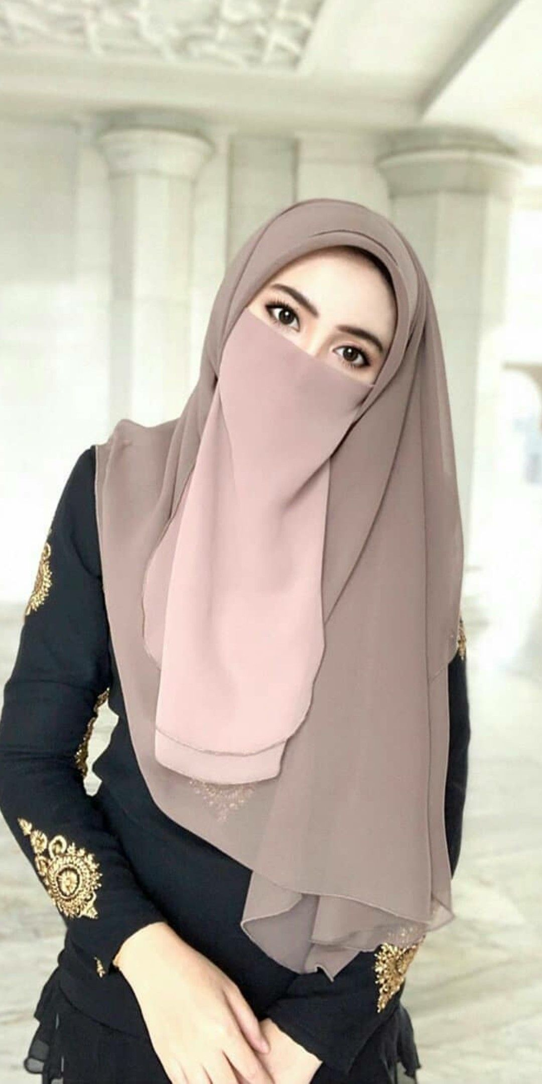 Pin Oleh Mahtabhasan Di Your Pinterest Likes Gaya Hijab Hijab Chic Model Pakaian Hijab