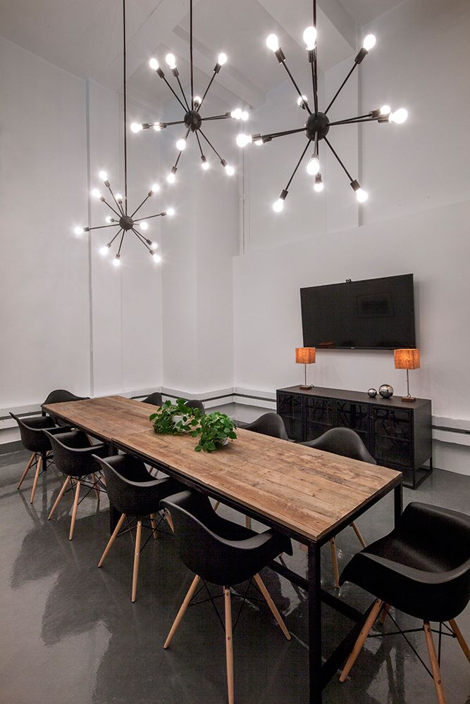 Conference Room Interior Design: BLUECORE_Office_HUXHUX_10