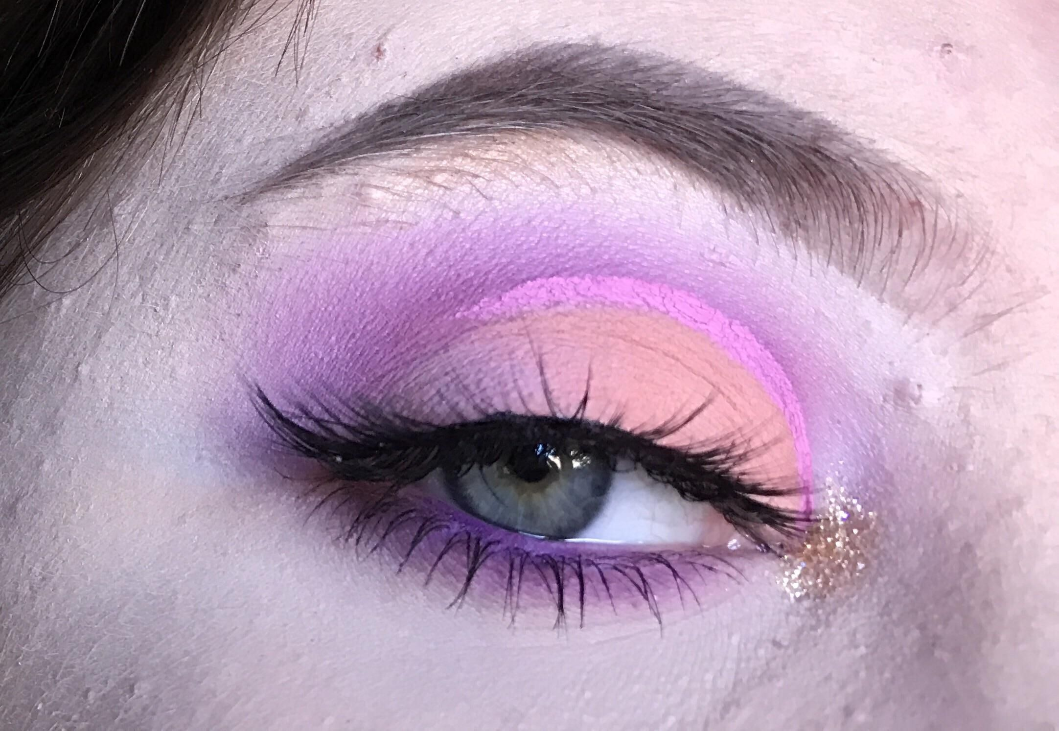 Finally got to play with the KVD Pastel Goth palette