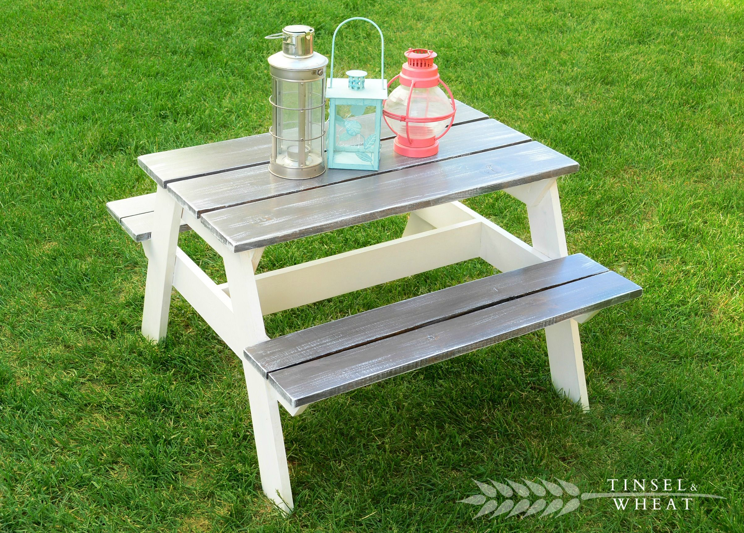 Get The Diy Plans For This Charming Children 39 S Picnic Table From Kid 39 S