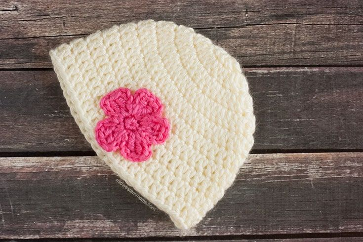Simple Crochet Baby Hat Pattern With Flower Things To Make