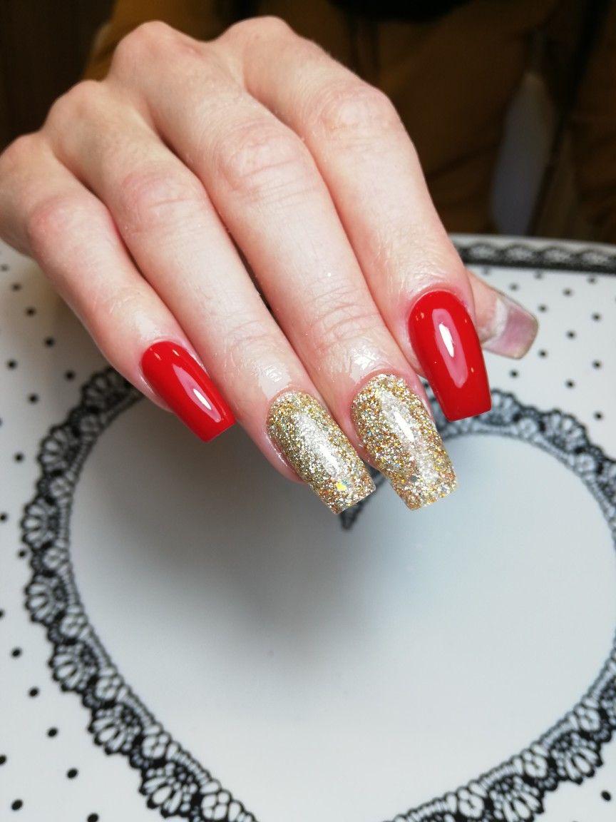 Unghii cu gel, efect marmura, sclipici | Nails, Beauty