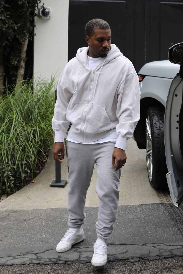Kanye West Carries Saint To A Sb Party On Looklive Kanye West Style Kanye Fashion Minimalist Fashion Men