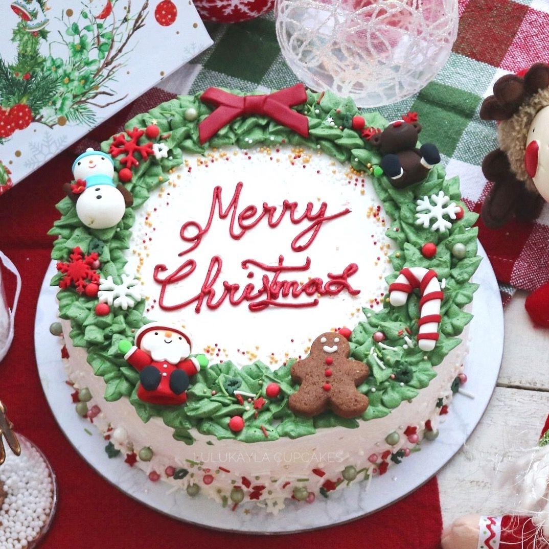 Christmas Wreath Cake Buttercream Cake In 2019 Cake Christmas