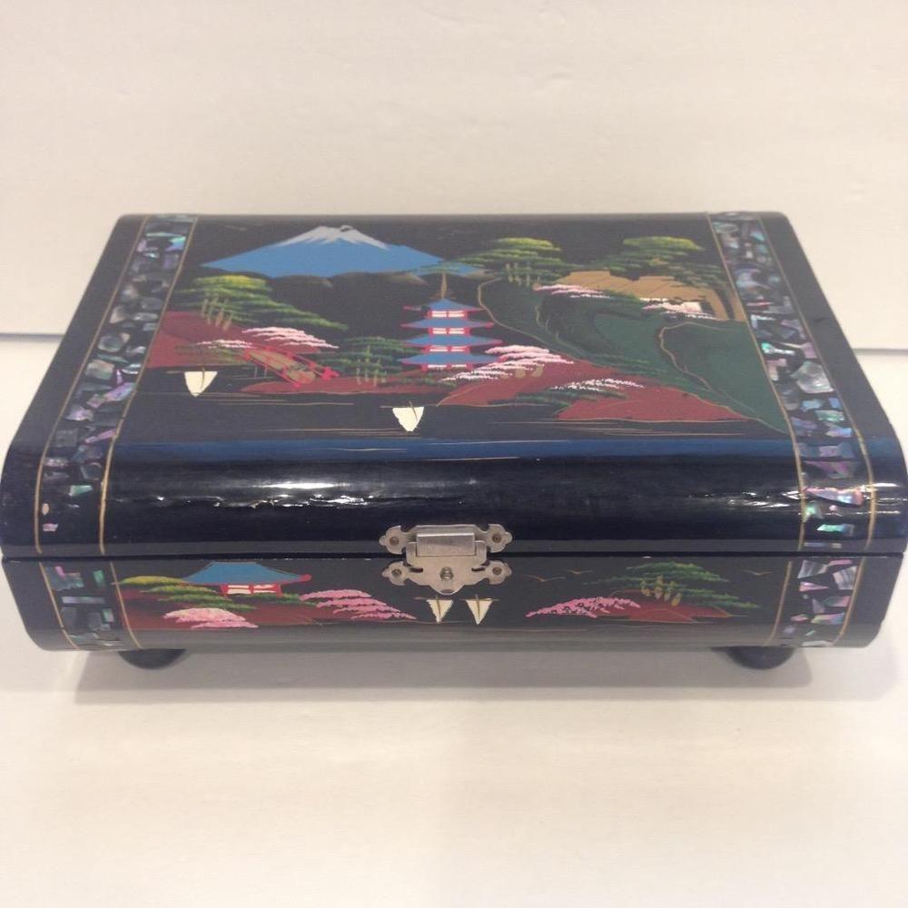 Vintage Japanese Black Enamel Jewelry BoxAbaloneMusicalHand