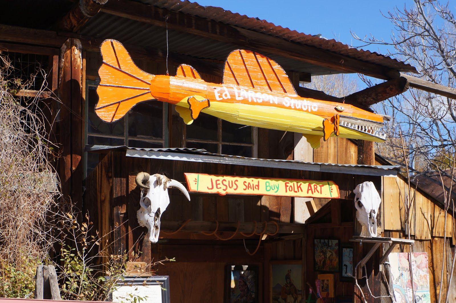 Santa Fe Canyon Road Walk | Canyon Road Activist say that Jesus wants you to buy folk art!