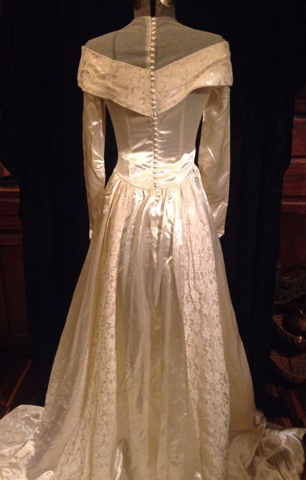1930 wedding dress  us Wedding Gown Ivory Duchess Satin Lace fabric buttons Made