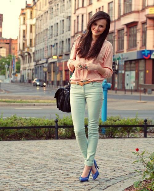b9ac0ea07d El verde menta es un color precioso. ¡A mi me encanta! Y una de las prendas  donde más se hace presente este color es en los pantalones
