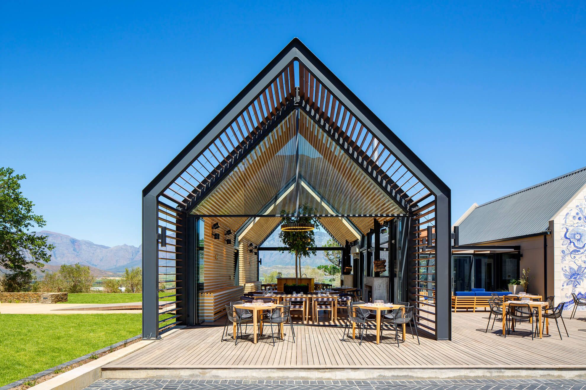 eat the backyard grill lounge in cape town barbecue restaurants