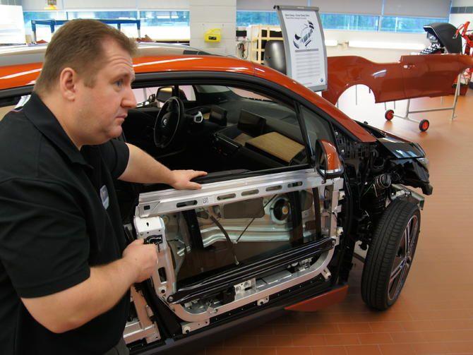 Crash Your Carbon Fiber I3 Ev Here S How Bmw Will Fix It Roadshow Auto Repair Repair Car