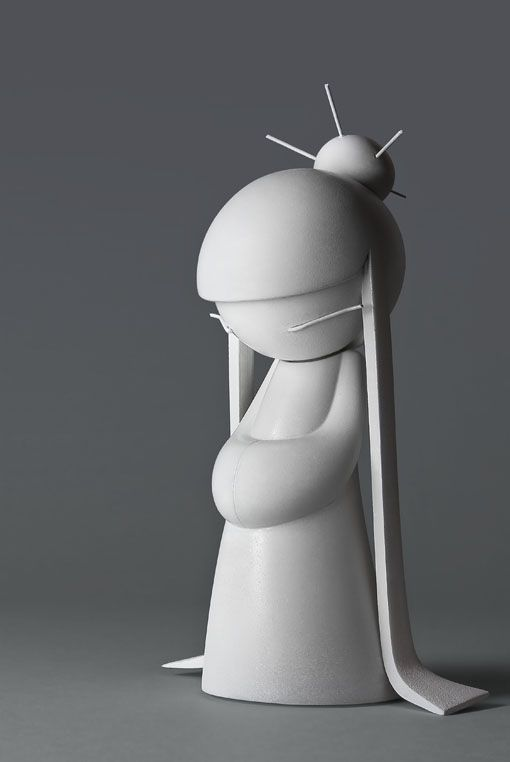 Wanting this very much right now. Yume - white vinyl toy