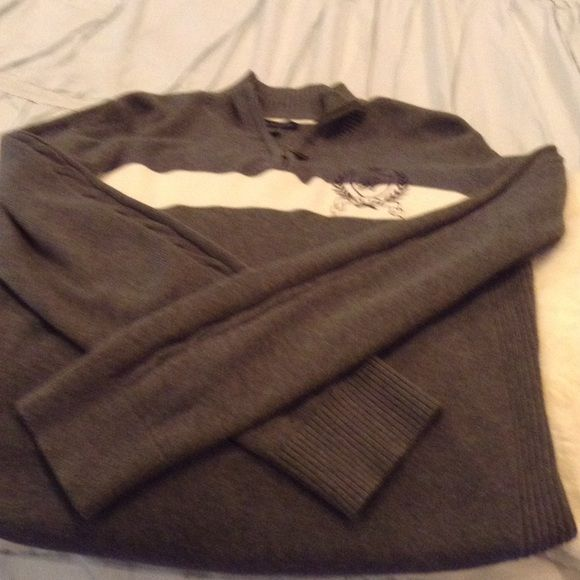 Women's Tommy Hilfiger sweater Worn once or twice. Great condition Tommy Hilfiger Sweaters