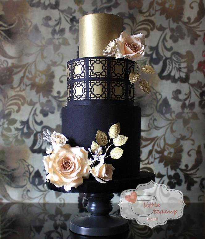 Blog OMG - I'm Engaged! - Bolo de casamento em dourado e preto. Wedding cake.