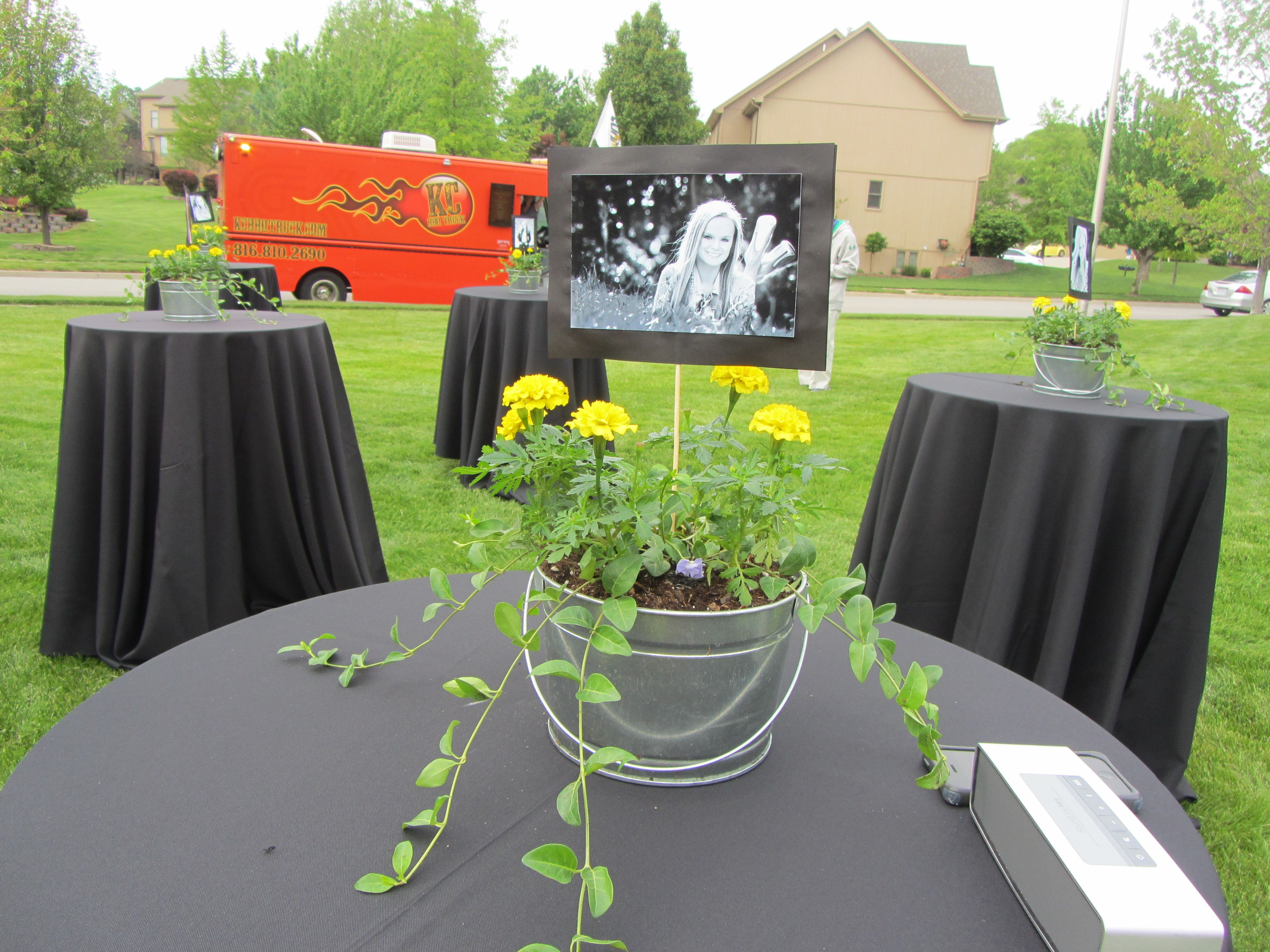 Outdoor graduation party with food truck black white for Outdoor decorating ideas for graduation party