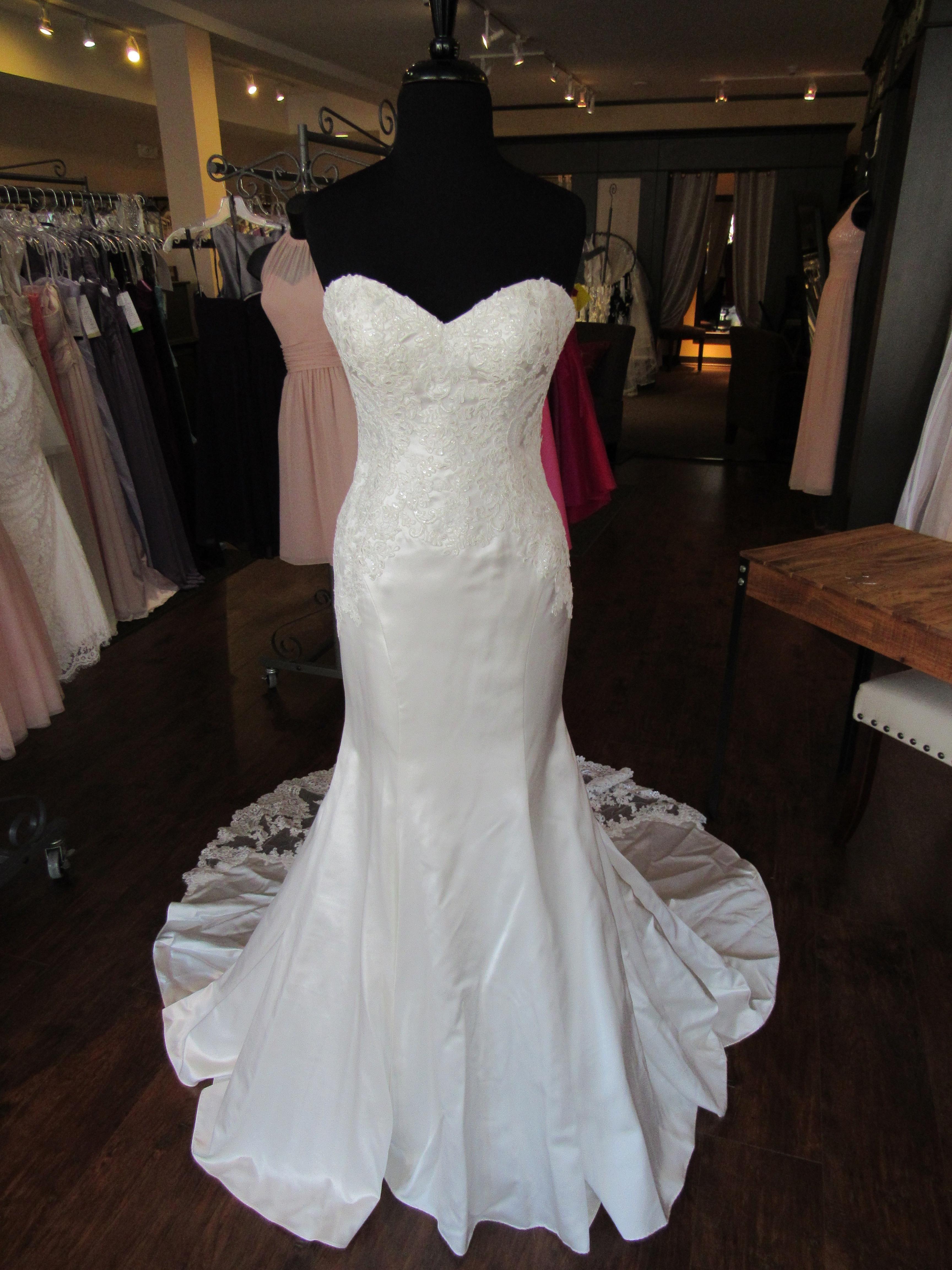 527d1717231e Stella York 6236 Wedding Dress. Stella York 6236 Wedding Dress on Tradesy  Weddings (formerly