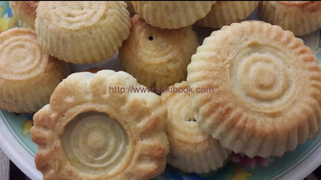 طريقة عمل معمول الكيري طيب وسريع زاكي Food Desserts Arabic Sweets