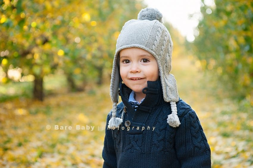 Family_Photographer_Columbus_Ohio_Bare_Baby_Photography_Lynds_Apple_Orchard_Fall outdoor fall family photo ideas pictures photos