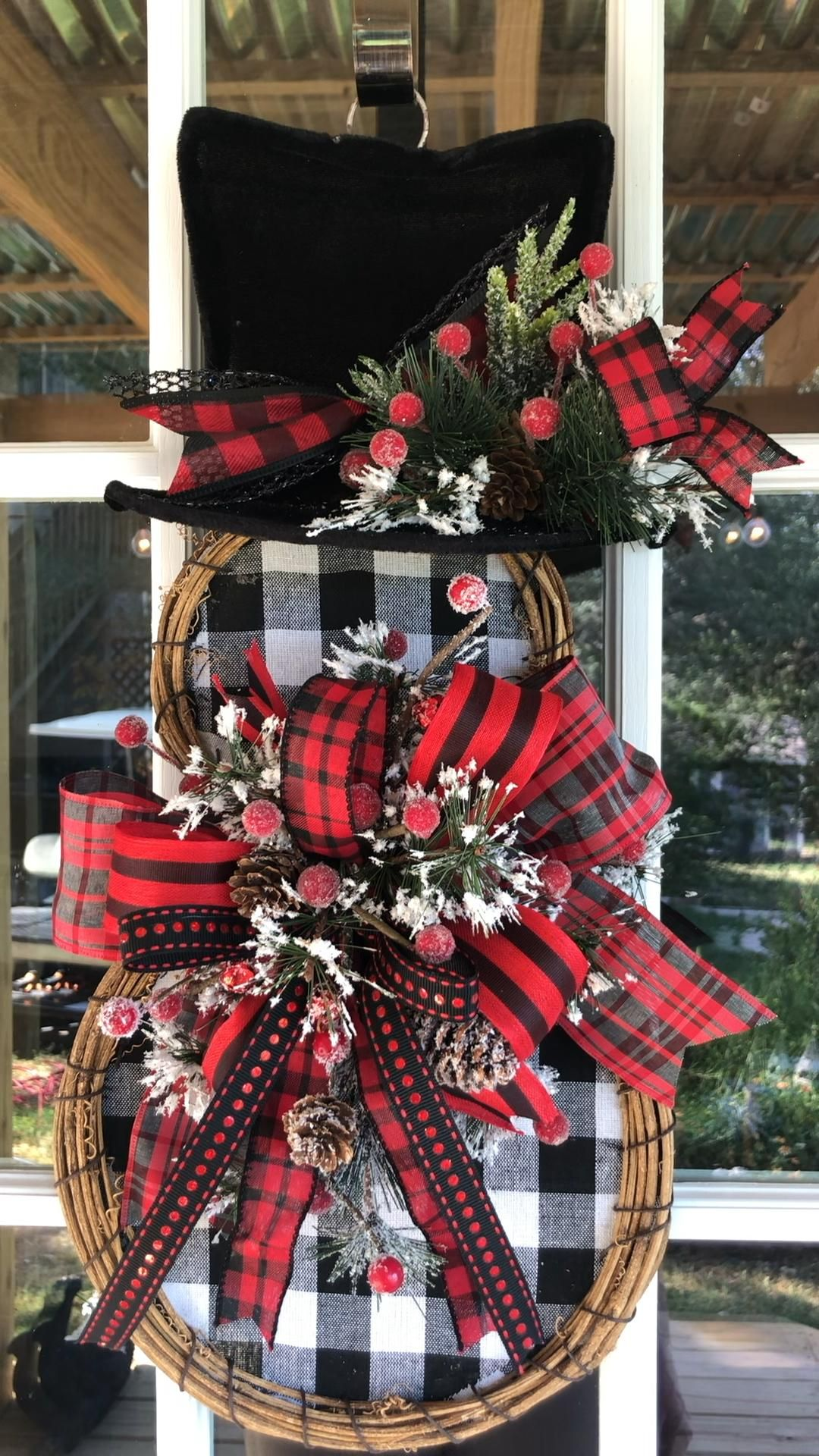 Custom quality wreaths for all seasons by thebearc