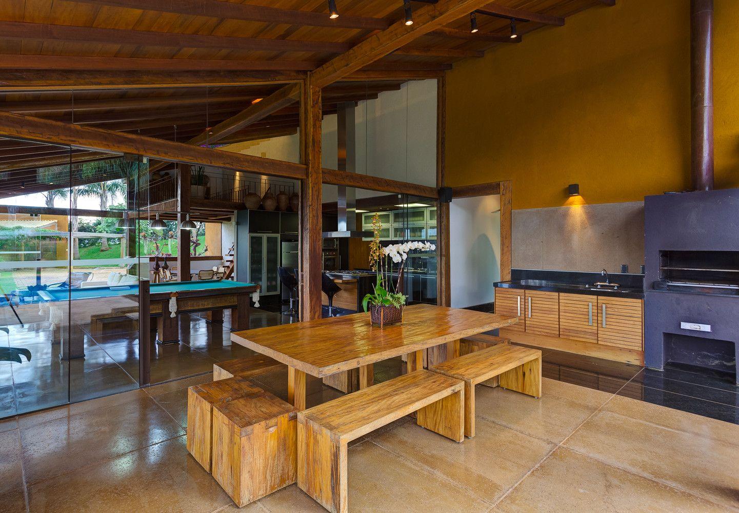 Galería de Casa de Campo en Macacos / Ana Cristina Faria + Maria ...