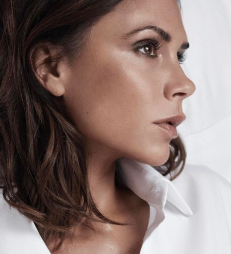Every Single Step You Need To Copy Victoria Beckham's Signature Make-Up Look from InStyle.com