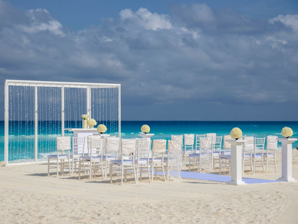 Elegant Ivory Wedding Collection At Hard Rock Hotel Cancun