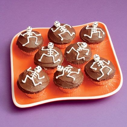 7 Tips to Stand out at a Halloween Potluck Skeletons, Creepy - halloween entree ideas