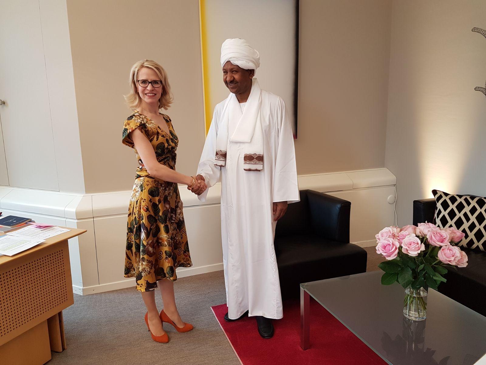 د. مصطفي عثمان سفيراً غير مقيم بإمارة ليختنشتاين