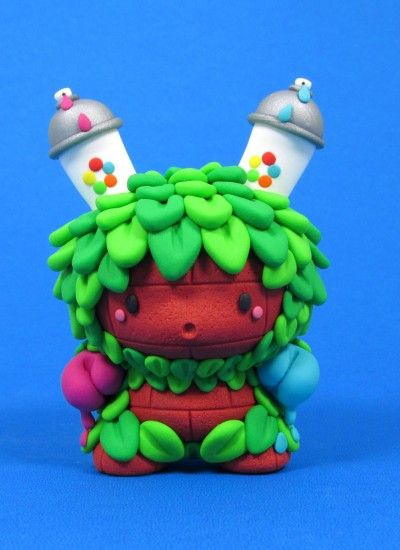 Graffiti Monster by Jenn and Tony Bot Cute and funny toy design
