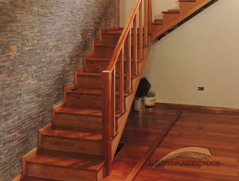 Colocaci n de escalera revestimiento colocaci n de for Escaleras de parquet