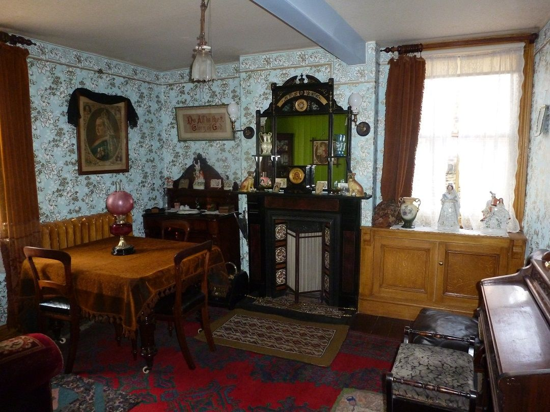 Victorian Parlour Drawing Room Interior