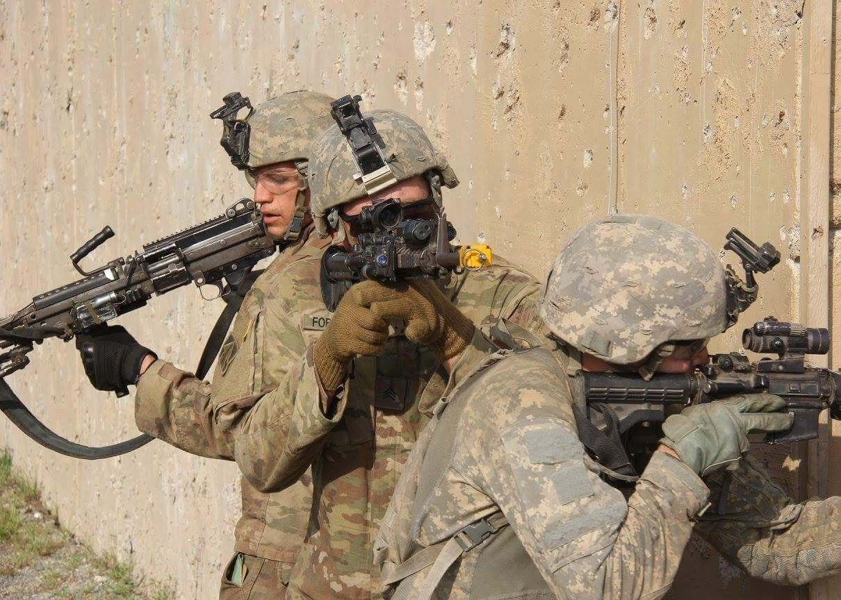 Soldiers from 1st Battalion, 293rd Infantry, 76th Brigade