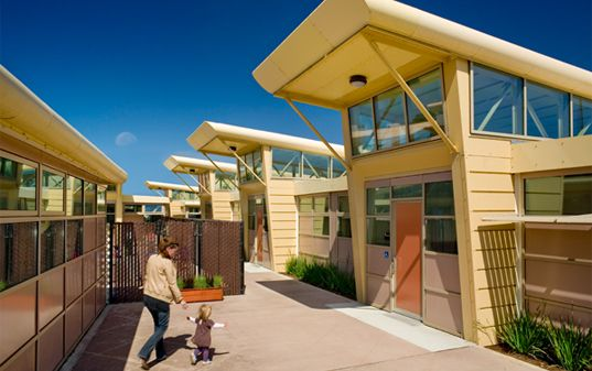 Roof Design Ideas: Project FROG's Eco-Friendly Modular Classrooms Score Big