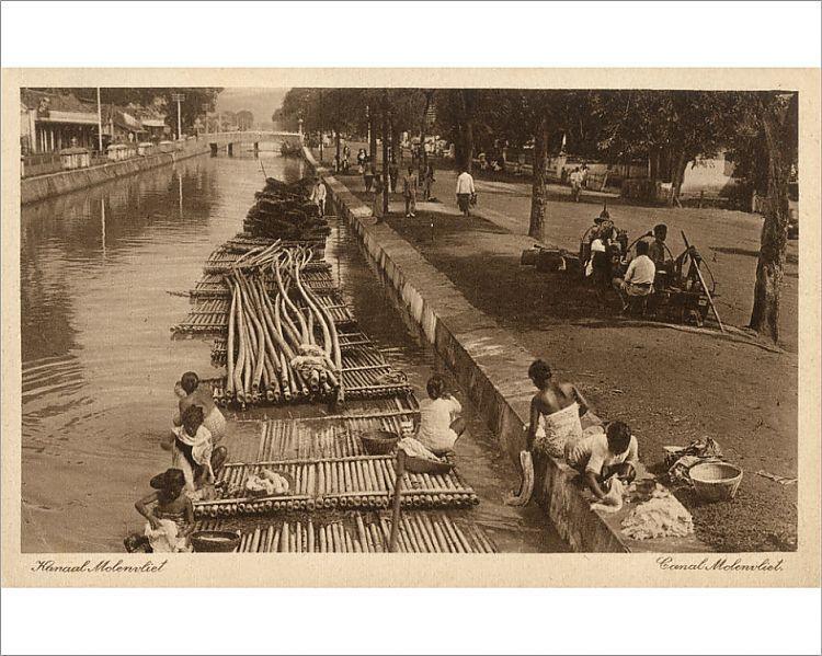 Photograph-Indonesia - Java - Jakarta - Molenvliet Canal-10