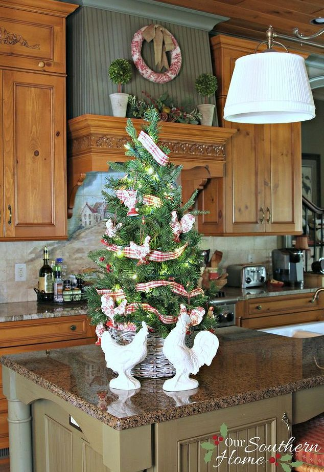 Grab an Old Basket for These Clever Household Ideas Christmas tree