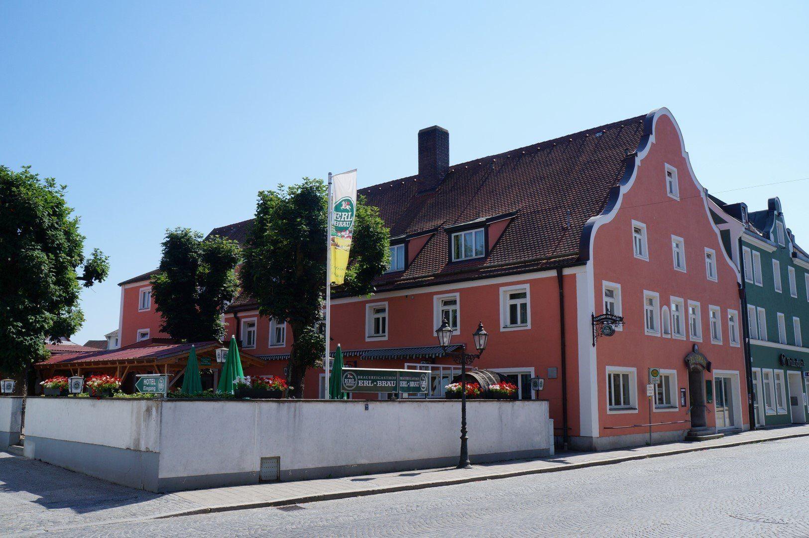 Brauereigasthof Erl Brau Gepflegte Gastlichkeit Hat Eine Lange Tradition Im Brauereigasthof Erl Brau In Geiselhoring Seit Mehr Als Brauerei Hotel Bayern