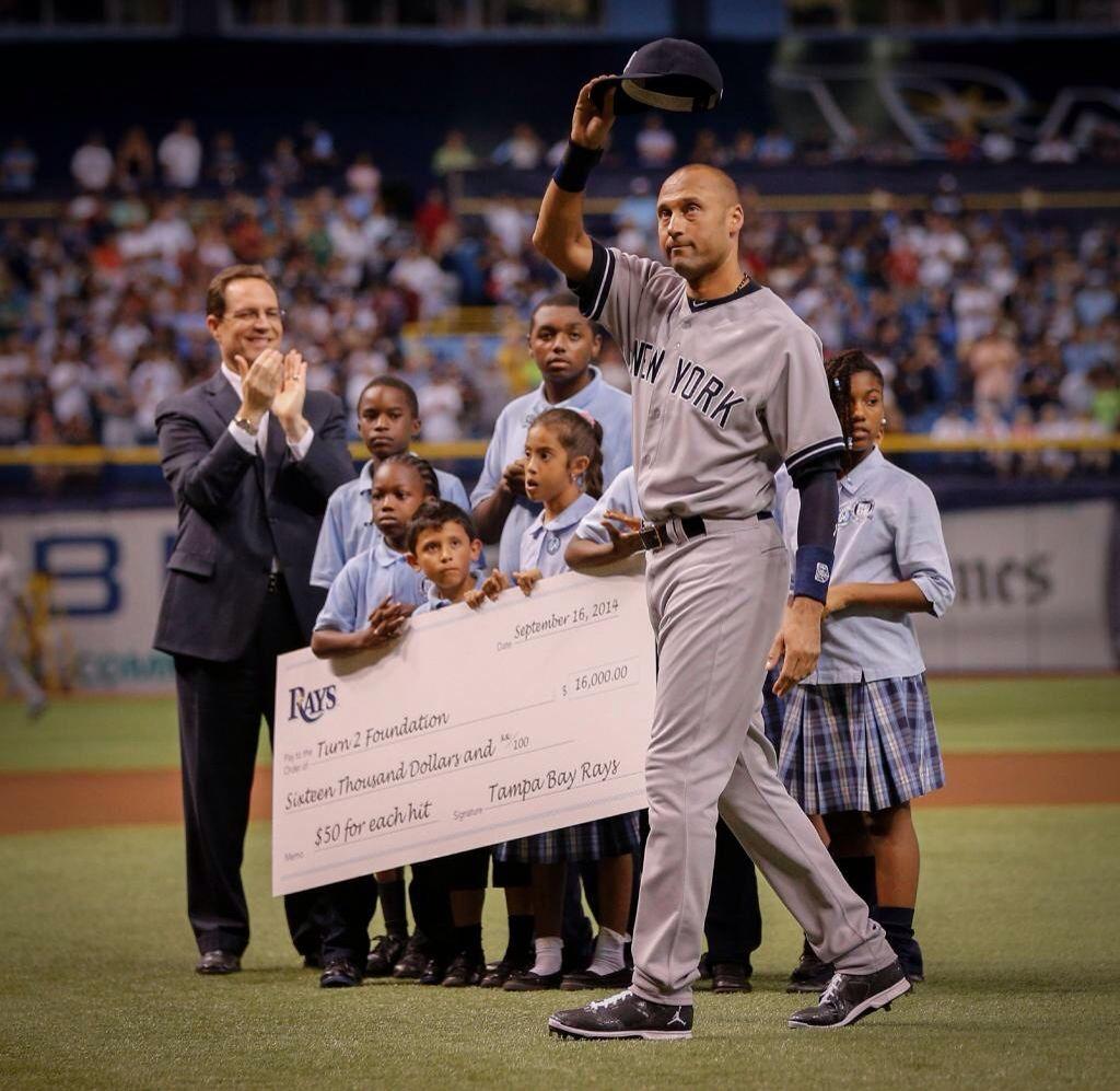 Jeter S Rays Gifts Creative Donation 50 Hit Vs Rays In Career Derek Jeter New York Yankees Yankees Fan